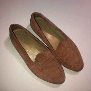Vintage Gucci loafers slide ons size 8.5